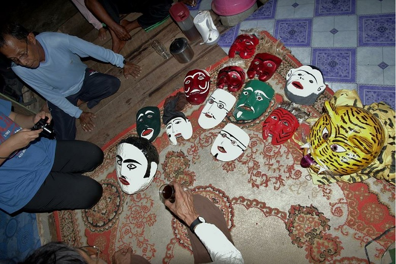 Mak Yong masks
